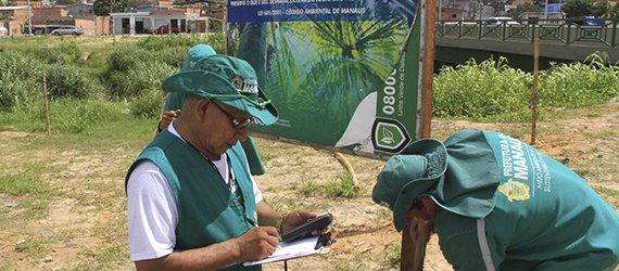 Prefeitura de Manaus instala placas na área de preservação permanente do Igarapé do Mindu