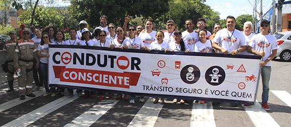 Prefeitura de Manaus realiza ações de sensibilização e educação ambiental no Dia do Motorista