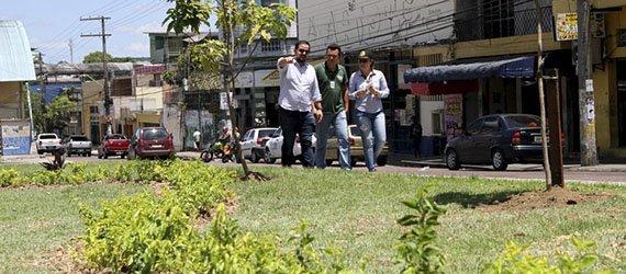 Prefeitura de  Manaus faz intervenções  de paisagismo no entorno do T1