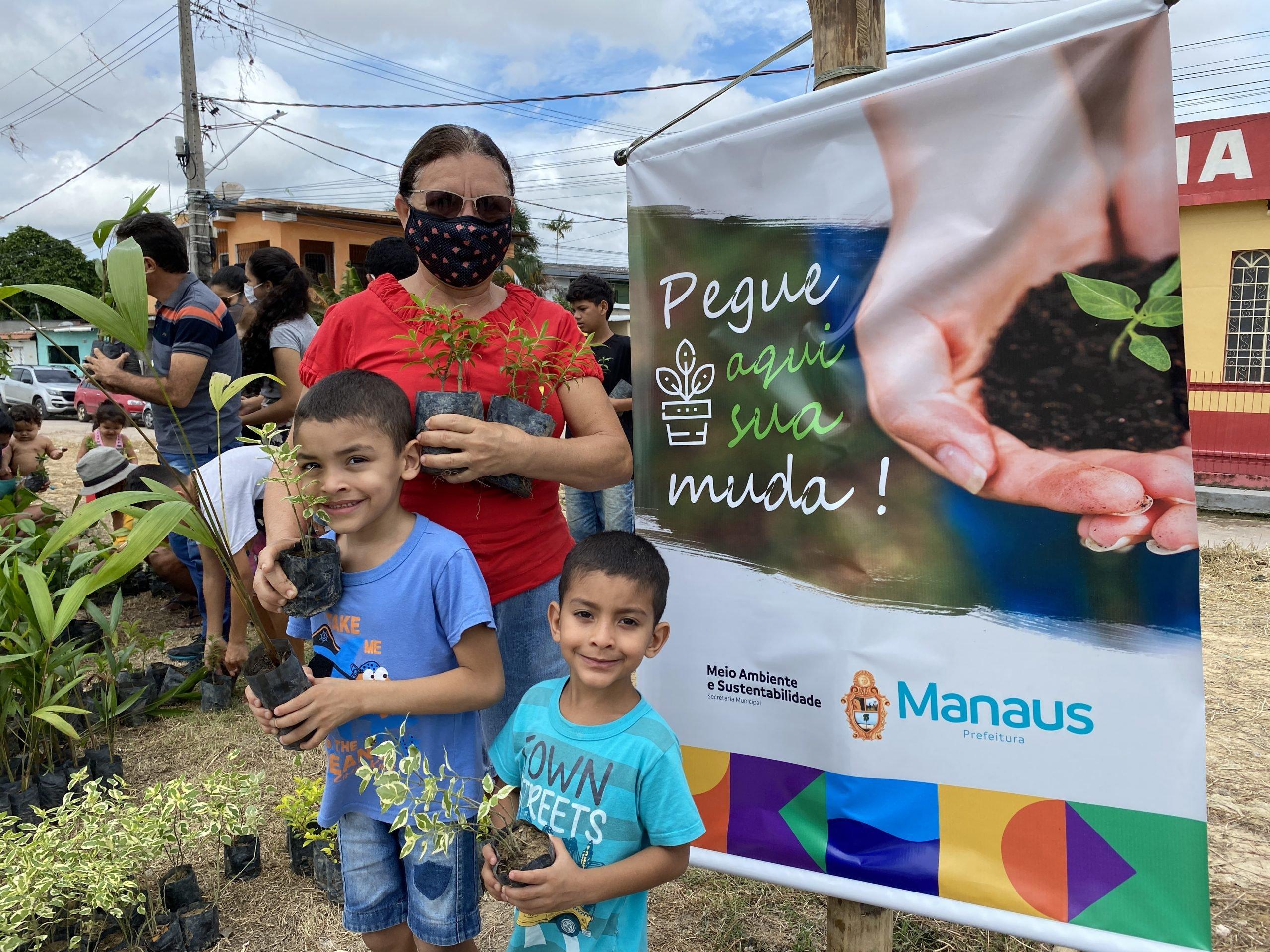 'Manaus Verde' promove doação itinerante de mudas