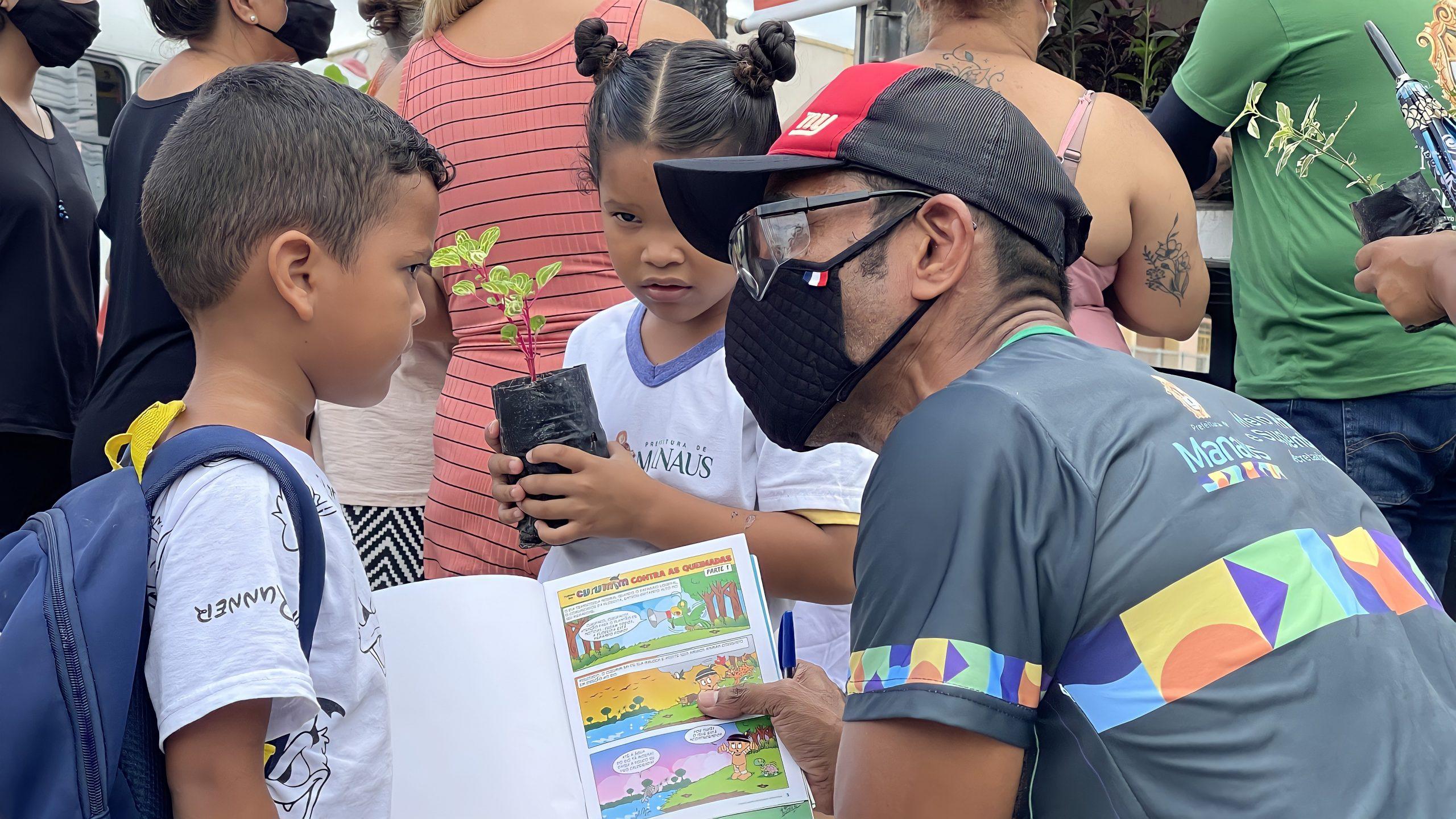 Prefeitura inicia mês de setembro com doação de mais de 800 mudas de plantas em ação do Manaus Verde
